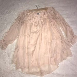 Gorgeous flawed dusty rose top Ruffled sheer shirt